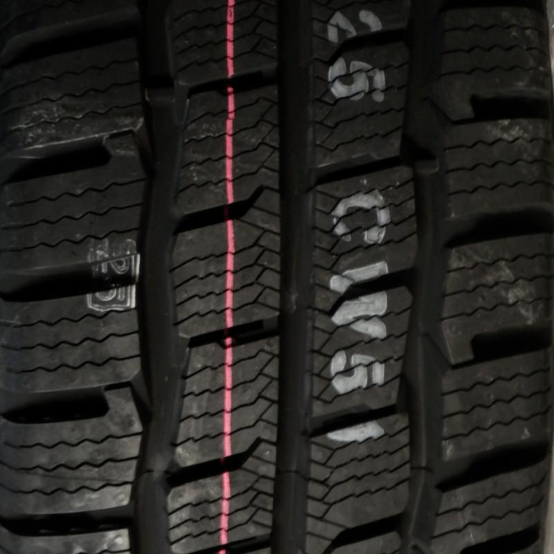 Kumho CW51 195/70 R15 104R TL C 8PR M+S 3PMSF