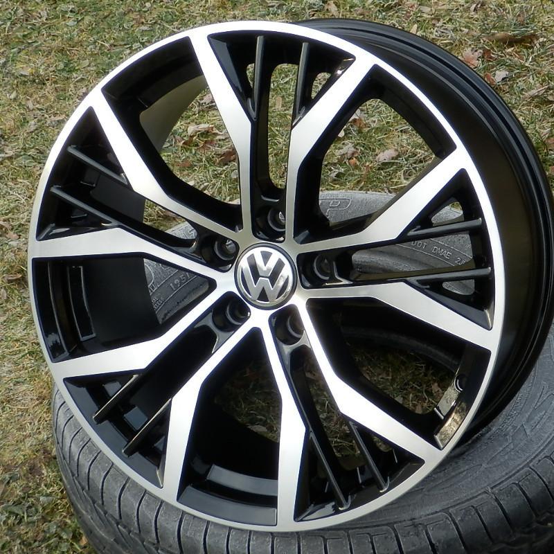 REPLICAS VW GOLF GTI 7 bl-pol 8x18 5x112 ET45.00 černá + leštěná